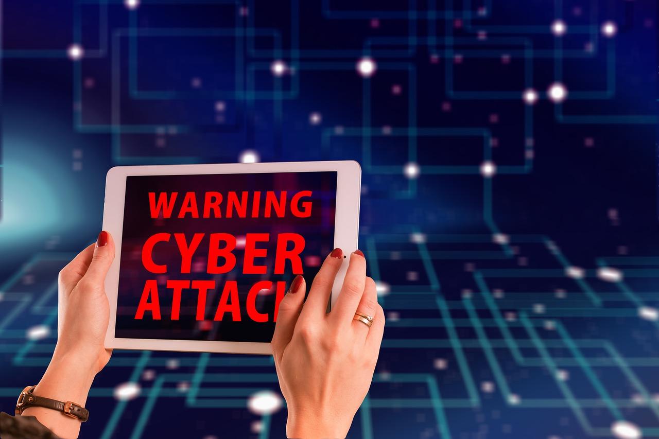 Kokie pavojai tyko internete?