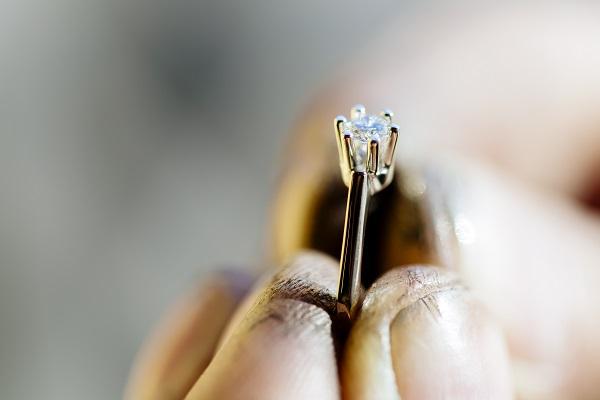 Žiedai sužadėtuvėms, ką reikia žinoti?