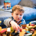 Nebūtina išleisti žaislams viso atlyginimo – išmokite žaisti (beveik) nemokamai!