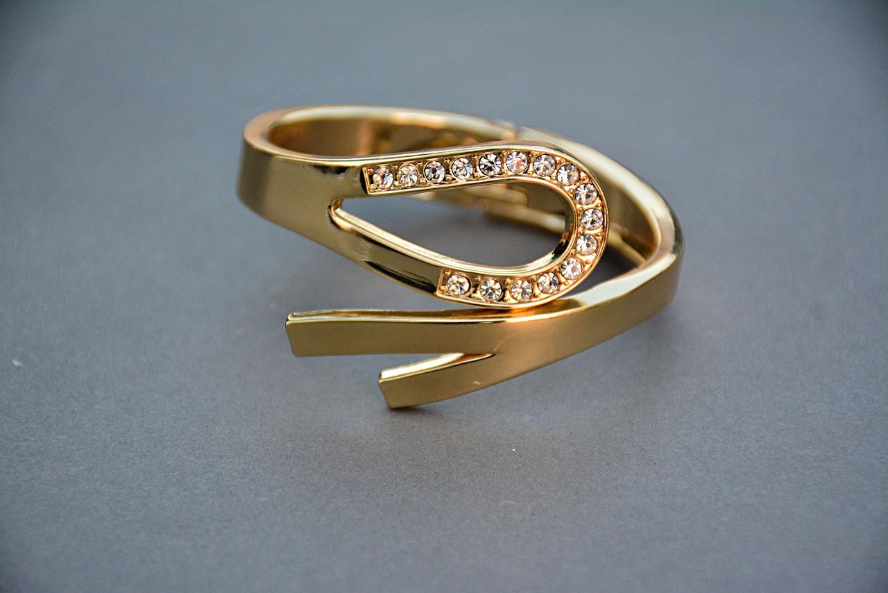 Naudingi faktai, kurių nežinojote apie sužadėtuvių žiedus