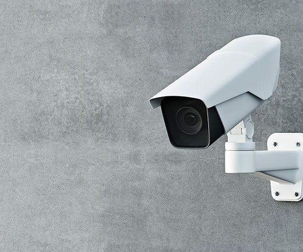 Kodėl apsaugai būtina bent viena stebėjimo kamera?